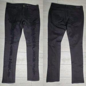 Nwot BlankNYC Distressed Skinny Jeans.